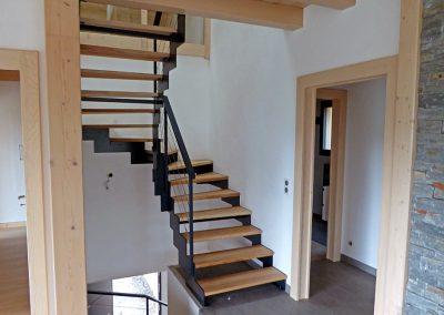 Escalier Escalier à crémaillère dans un chalet à Bogève