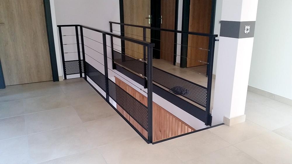 garde corps maison 8 endroits propices o placer lu0027 aquarium maison design intrieur dans ce. Black Bedroom Furniture Sets. Home Design Ideas